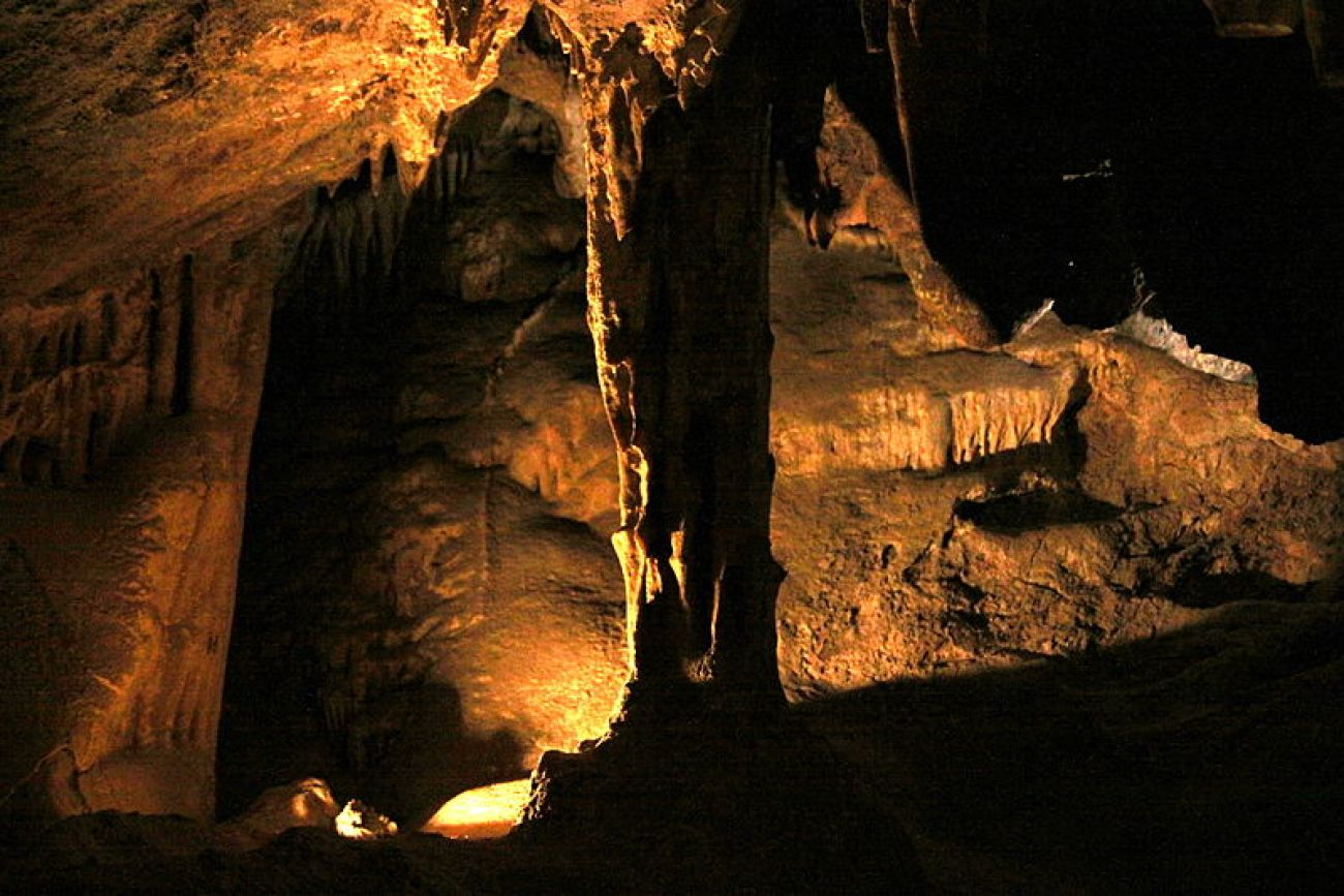 Colossal_Cave.jpg