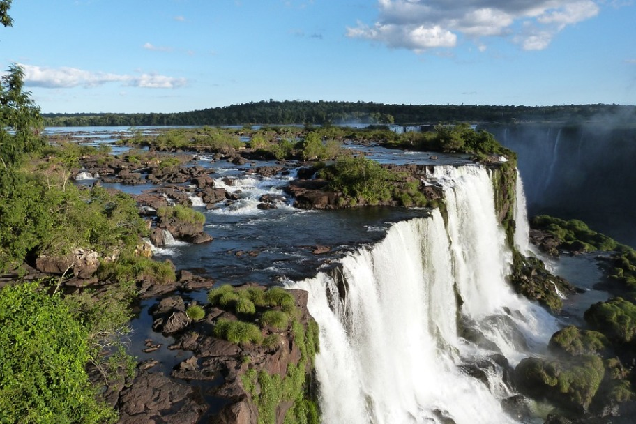 iguazu-falls-455611_960_720.jpg