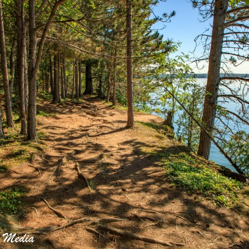 Hiking trail above the sea saves in the Apostle Islands