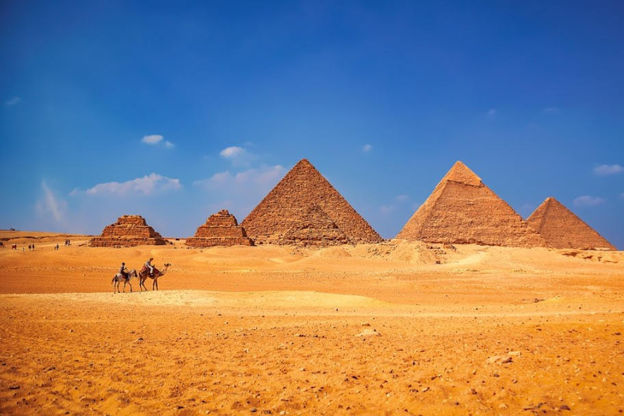 Travel Bucket List - Explore the Great Pyramids