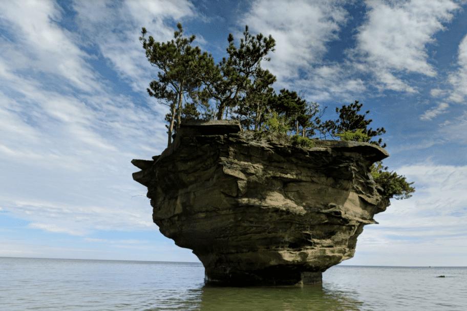 Great Lakes Kayaking - Turnip Rock