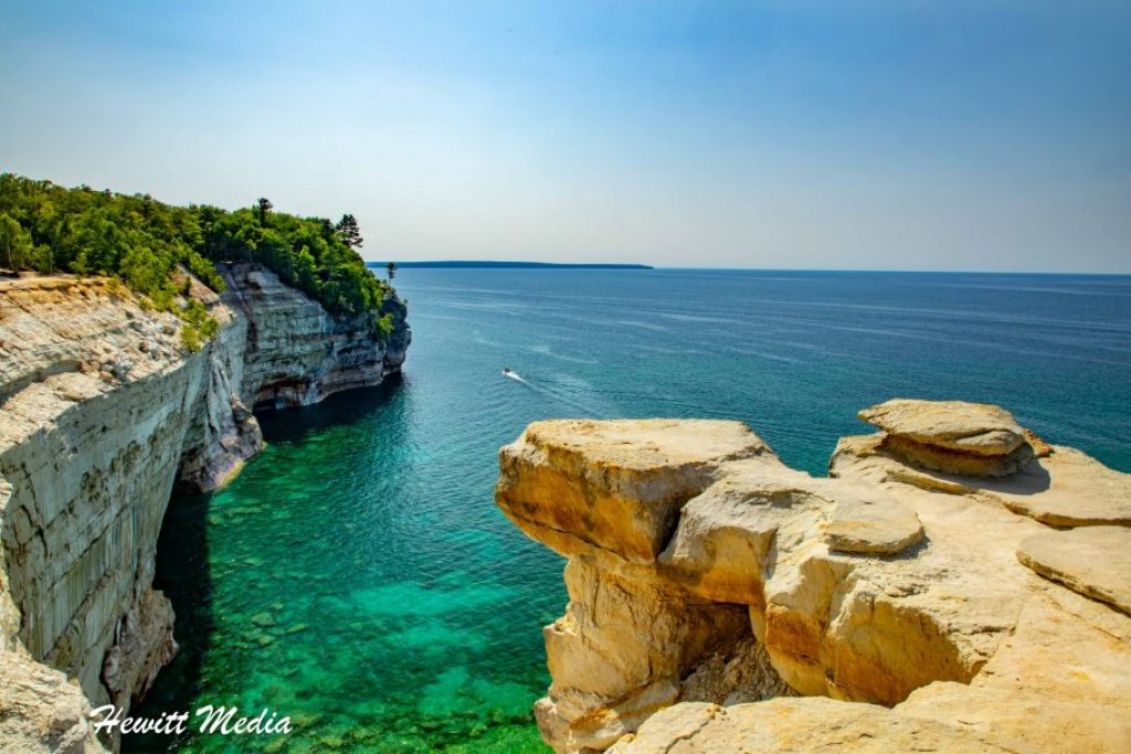 Pictured Rocks Travel Guide