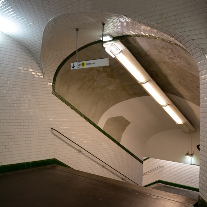 paris metro station grand boulevard