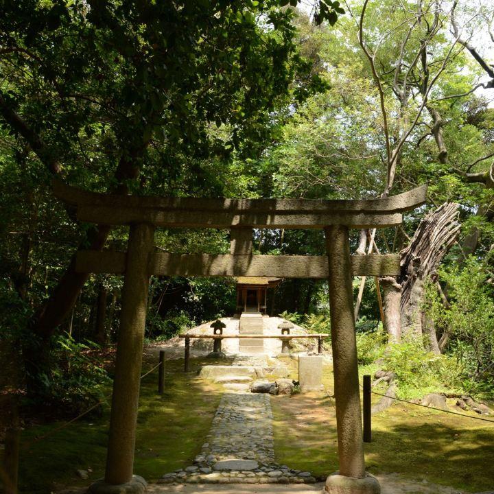 Okayama garden korakuen shrine