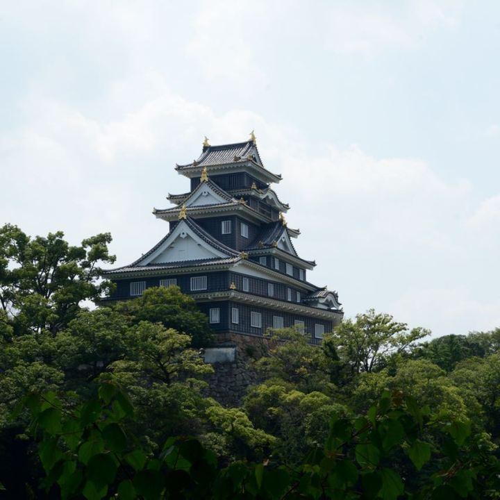 Okayama castle momotaru statue