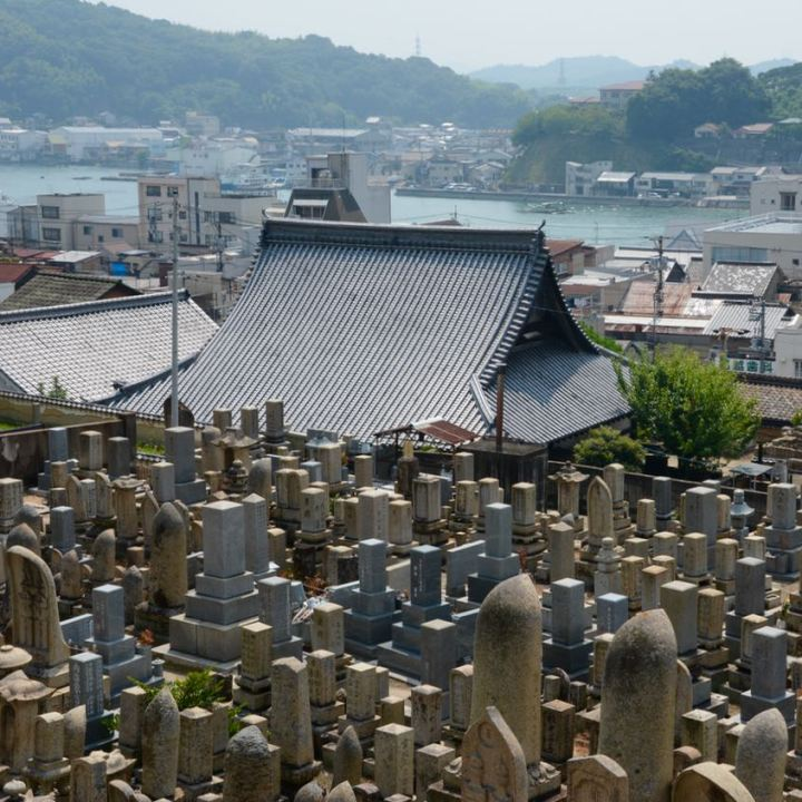 onomichi japan temple walk graveyard