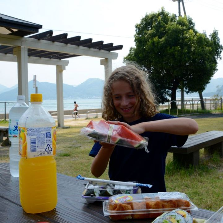 Mukoujima park beach lunch