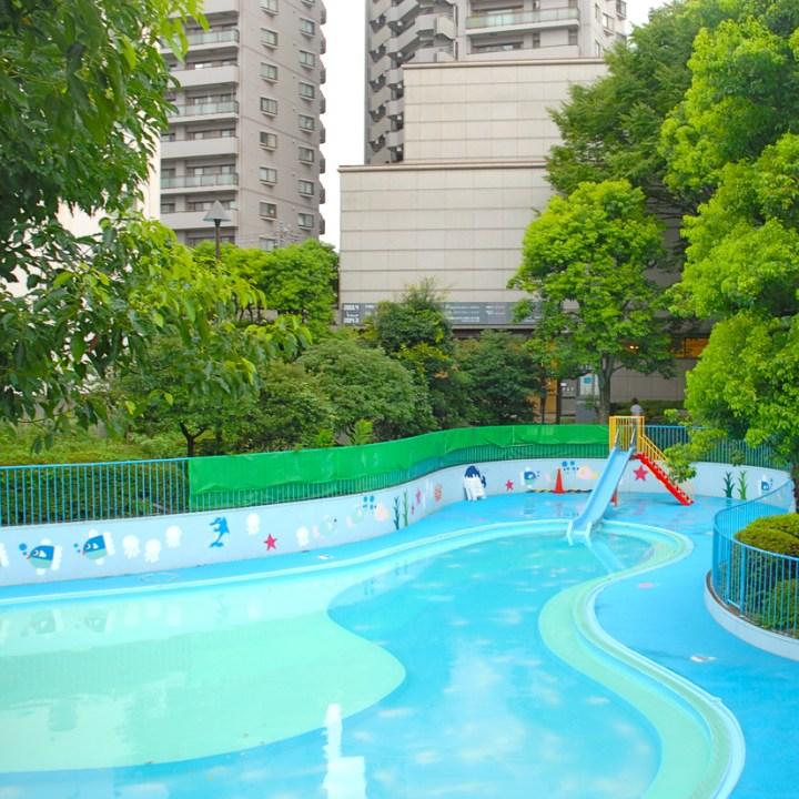travel with children kids japan tokyo meguro outdoor swimming paddling pool