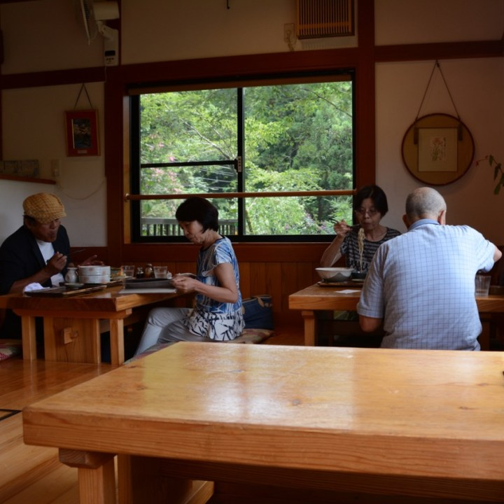 tama river cycling restaurant guests