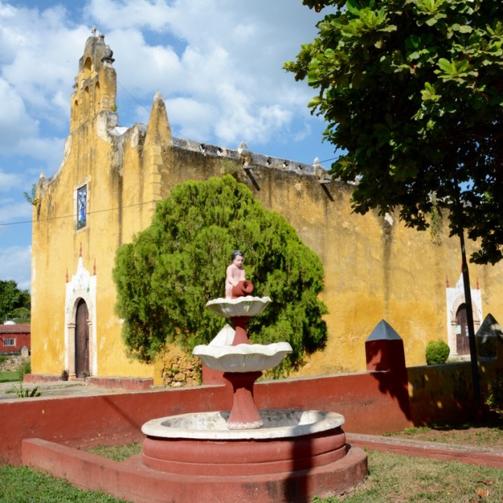 valladolid mexico with children iglesia santa ana