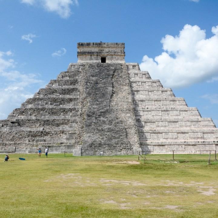 travel with children kids mexico chichen itza kukulkan pyramid
