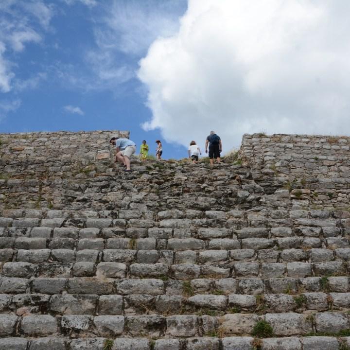 Travel with children kids mexico merida izamal kinich kakmo pyramid