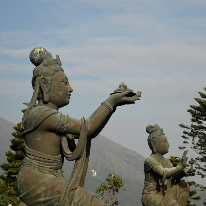 travel with kids children hong kong lantau big buddha cable car station shivas
