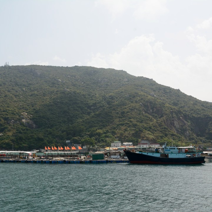 travel hong kong with kids children lamma island sok kwu fisherfolk village