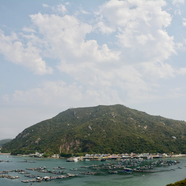 travel hong kong with kids children lamma island lo so shing village view