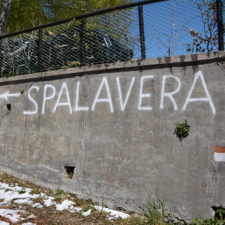 travel with kids children mount spalavera lago maggiore hiking signs