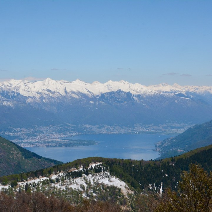 travel with kids children mount spalavera lago maggiore hiking snowy mountains