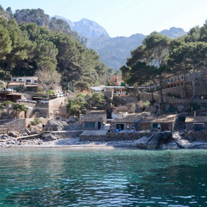 travel with kids children soller mallorca spain hiking torrent de pareis beach