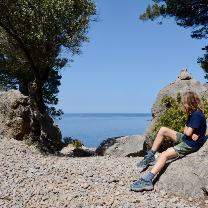 travel with kids children soller mallorca spain coastal hike ben's d'avall to cala deia break