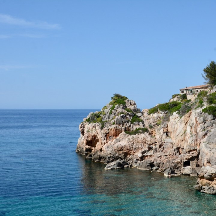 travel with kids children soller mallorca spain coastal hike ben's d'avall to cala deia
