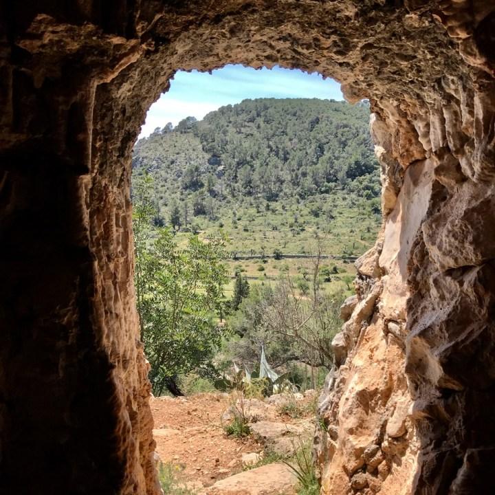 travel with kids children mallorca spain raixa estate cave