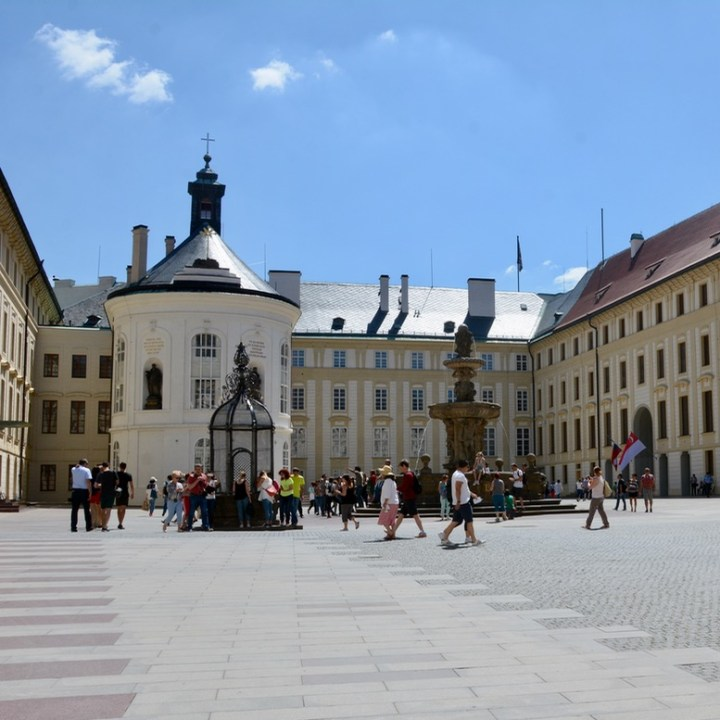 travel with kids prague castle courtyard