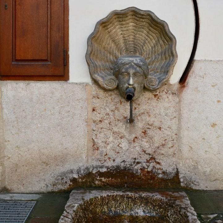 travel with kids prague wallenstein palace fountain