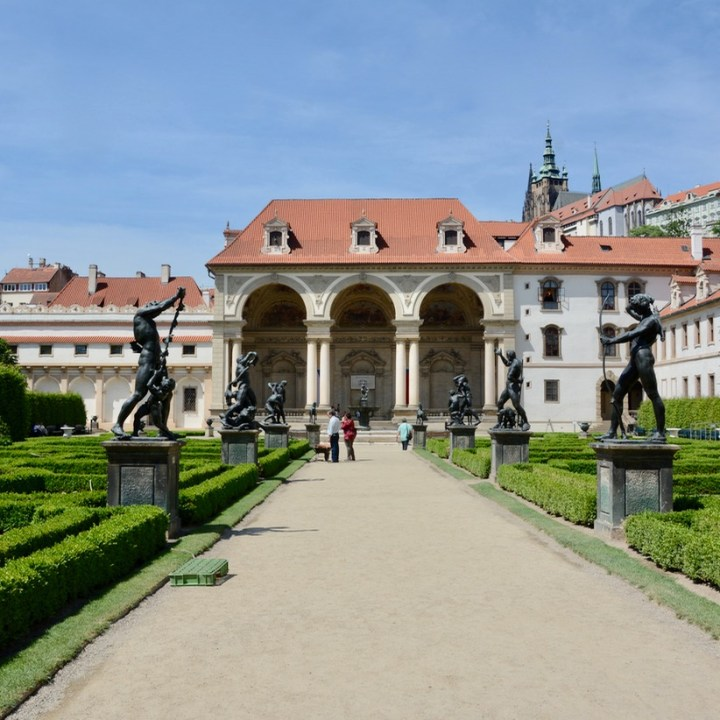 travel with kids prague wallenstein palace statues