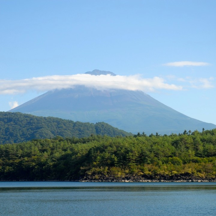 cycling with kids lake yamanakako mount fuji