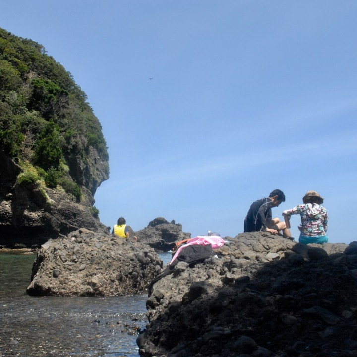 japan with kids izu peninsular touji beach