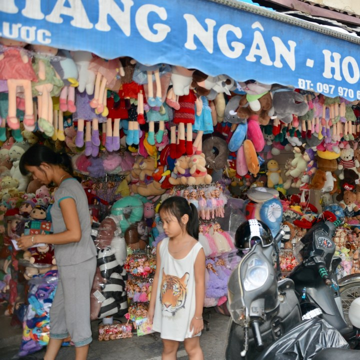 travel with kids vietnam hoi an cuddly toys