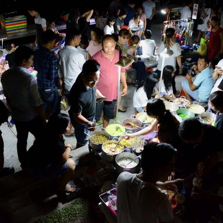 vietnam with kids hue evenings night market