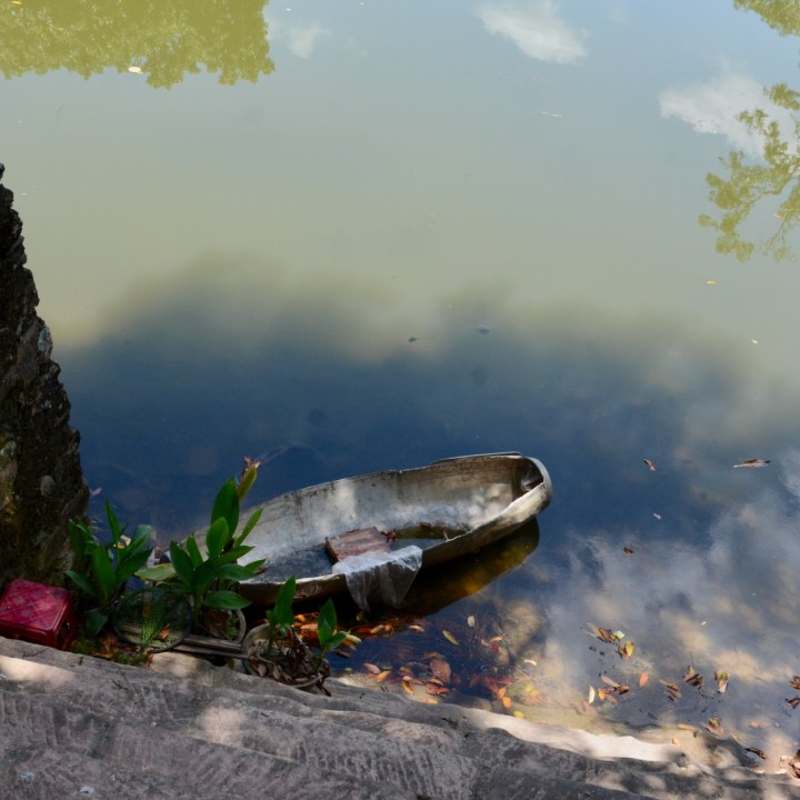 vietnam with kids hue tu duc tomb boat