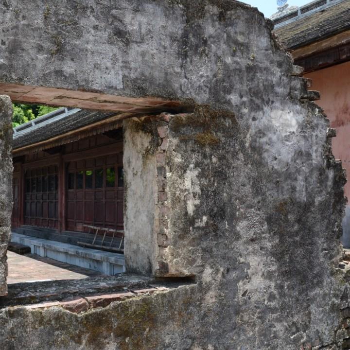 vietnam with kids hue tu duc tomb window