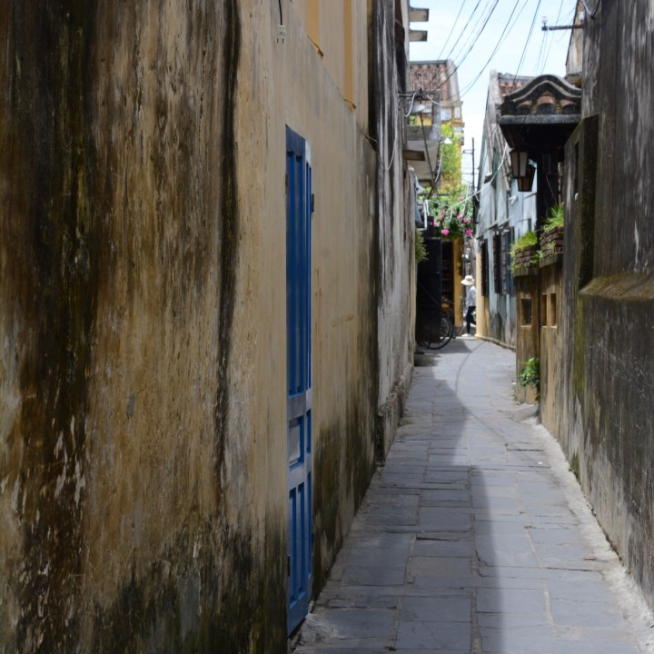 vietnam with kids hoi an side street