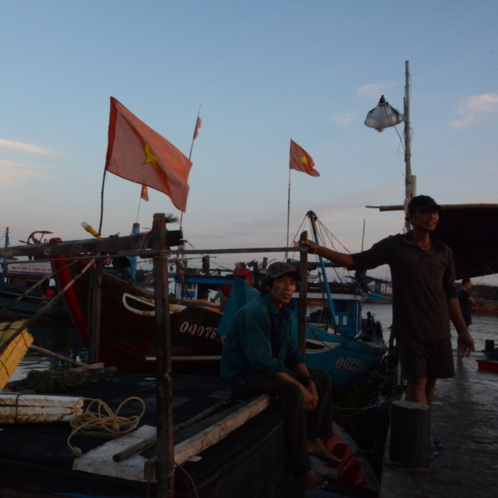 photo tour vietnam hoi an fishermen