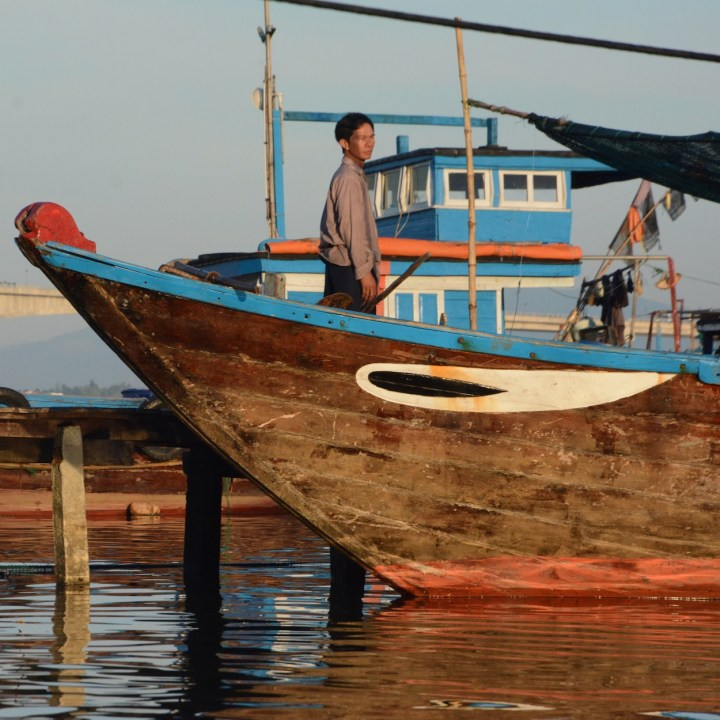 photo tour vietnam hoi an fisherman