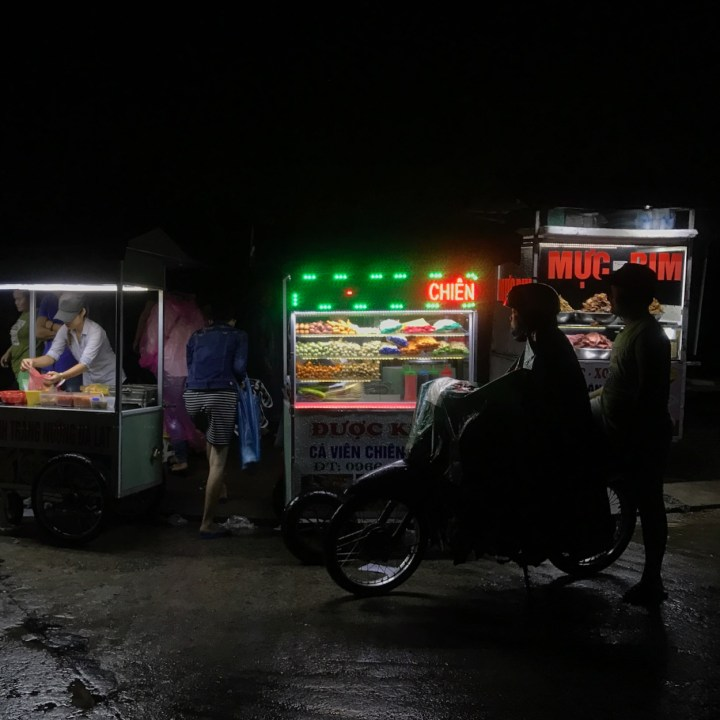 hoi an by night with kids street food