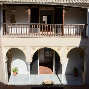 granada with kids casa horno de oro balcony