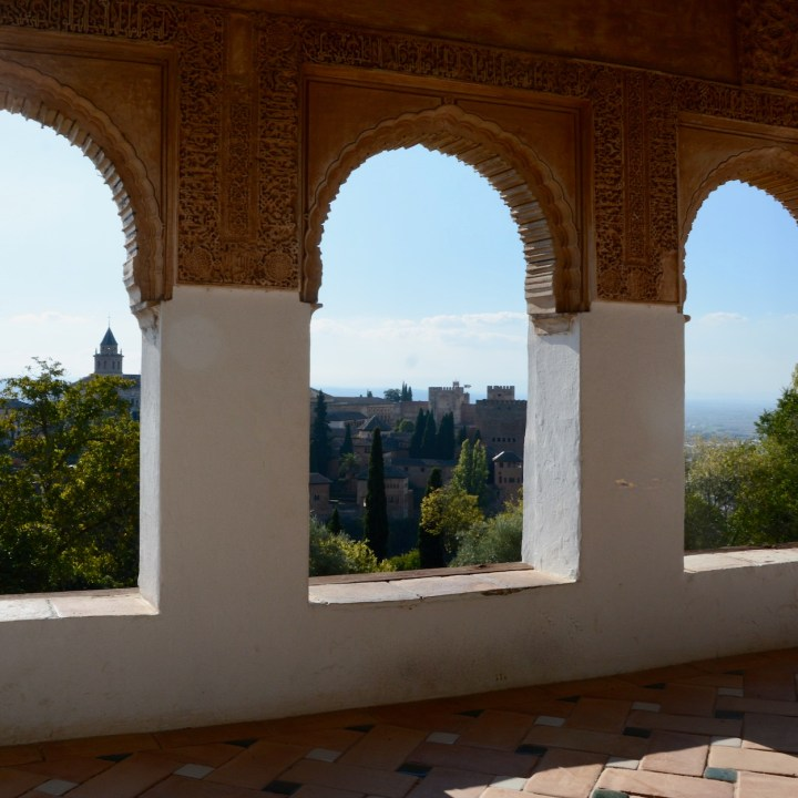 alhambra with kids generalife summer palace views