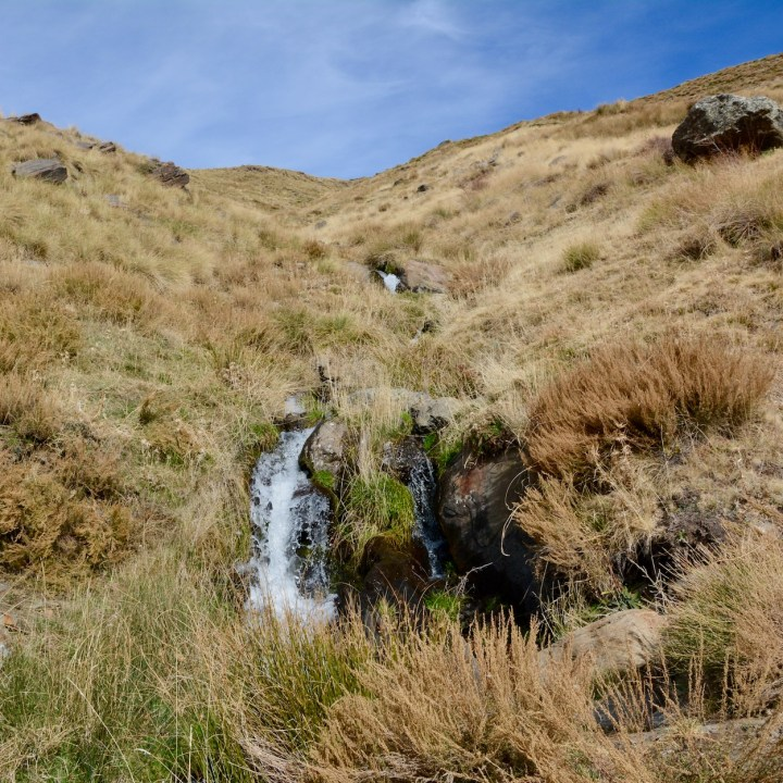 hiking with kids las aplujarras poqueira gorge waterfall