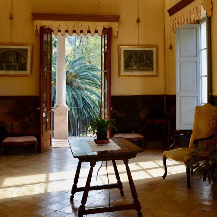 Mallorca with kids gardens alfabia living room