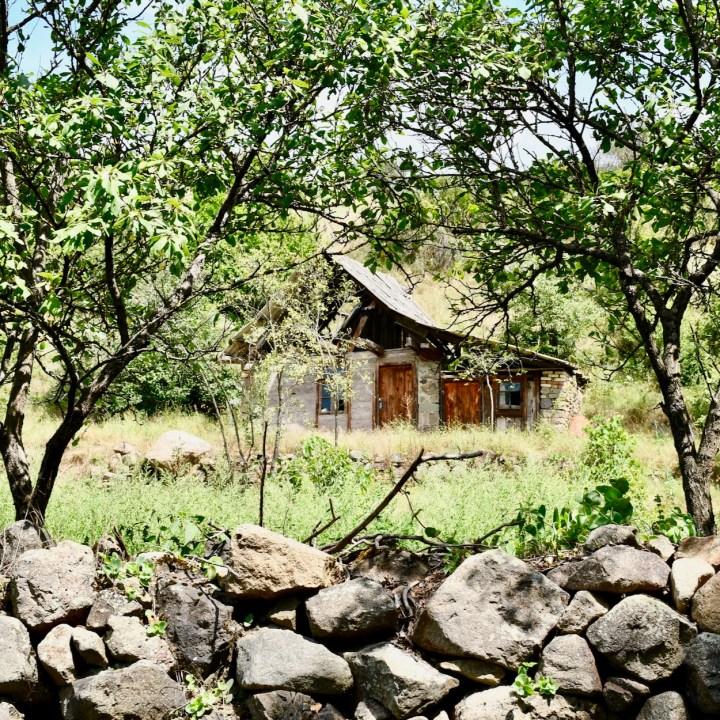 Askuri Georgia snowshoe hiking trail hut