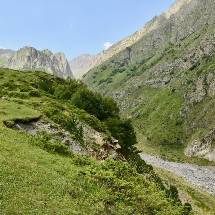 Daryal gorge Amali river