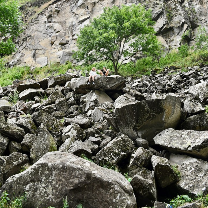 Dashbashi canyon rock climbing