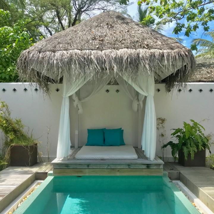 Lux South Ari spa pool