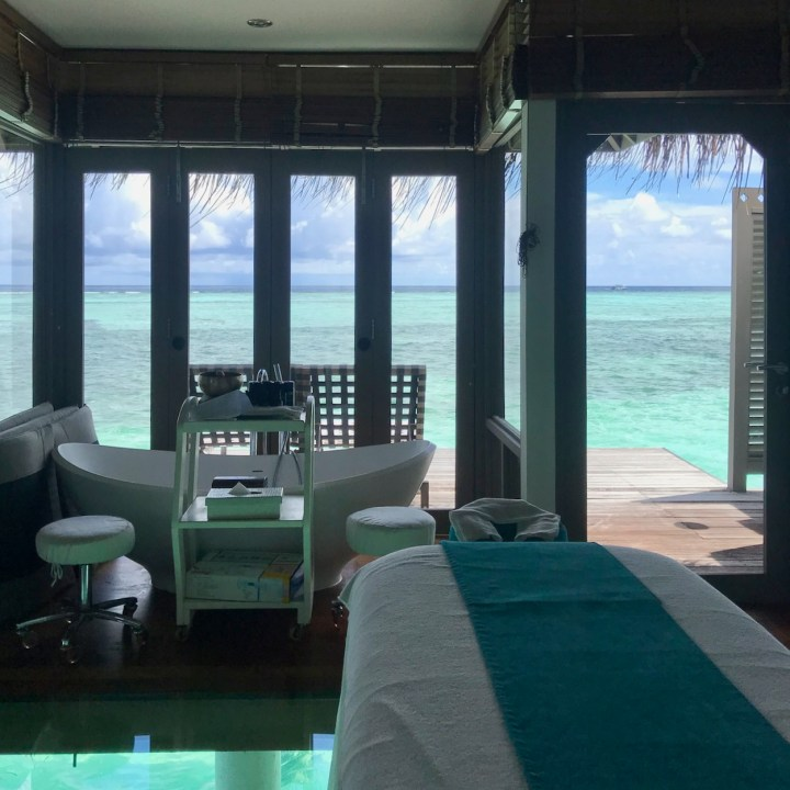 Lux South Ari overwater spa