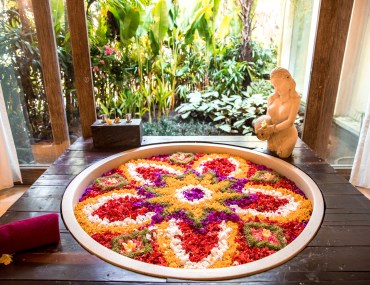 Flower Bath in Bali - Kaveri Spa, The Udaya Resorts & Spa, Celebration of Flowers, Flower bath at The Udaya, Flower Bath Bali | Wanderlustyle.com
