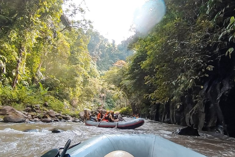WHITE WATER RAFTING IN BALI WITH MASON ADVENTURES - Things to do Bail, Mason Adventures, Mason Adventures activities, bali travel, bali things to do, white water rafting ubud, white water rafting bali, white water rafting, bali activities, bali adventures | Wanderlustyle.com