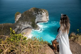 KELINGKING BEACH NUSA PENIDA GUIDE - HOW TO GET TO KELINGKING BEACH, WHAT TO DO AT KELINGKING BEACH, KELINGKING VIEWPOINT, KELINGKING BEACH, T REX NUSA PENIDA, NUSA PENIDA THINGS TO DO, NUSA PENIDA GUIDE, NUSA PENIDA TOUR, WHERE TO STAY IN NUSA PENIDA | WANDERLUSTYLE.COM